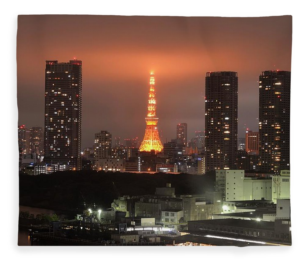 Tokyo Tower Fleece Blanket featuring the photograph Tokyo Tower With Cloud by Keiko Iwabuchi
