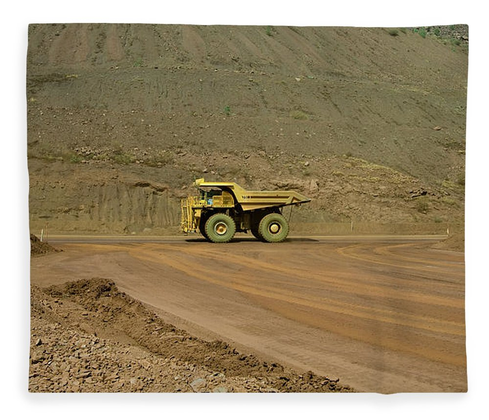 Southern Hemisphere Fleece Blanket featuring the photograph Tom Price Earthmover by Samvaltenbergs