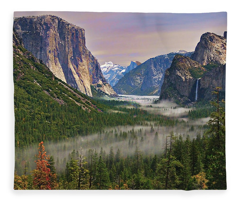 Scenics Fleece Blanket featuring the photograph Tunnel View. Yosemite. California by Sapna Reddy Photography