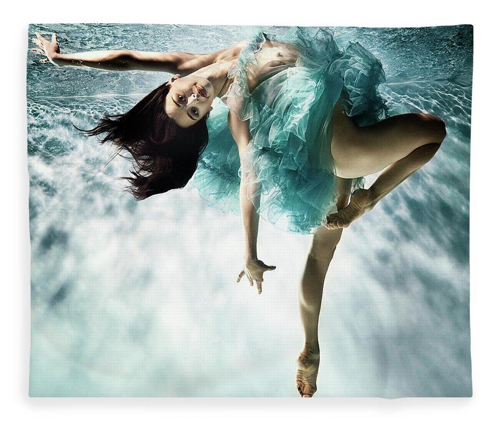 Ballet Dancer Fleece Blanket featuring the photograph Underwater Ballet by Henrik Sorensen