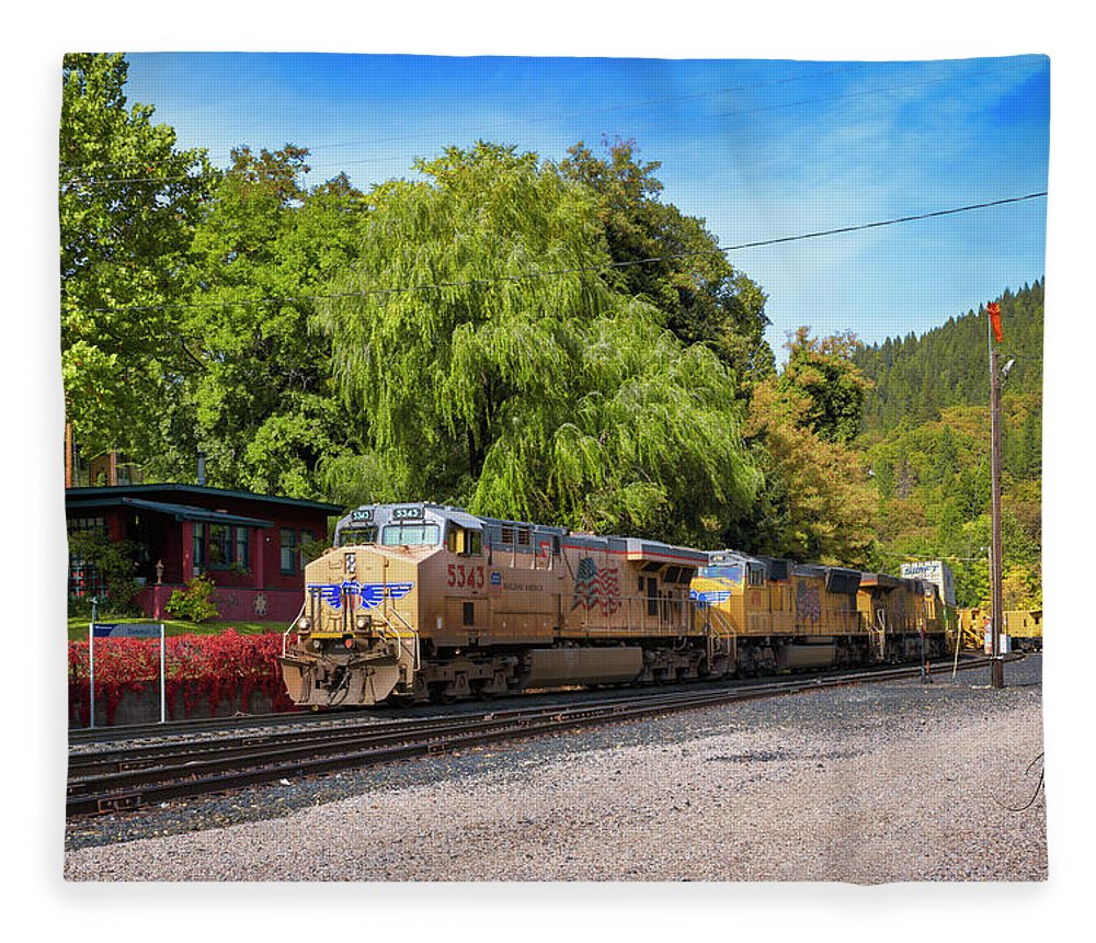 Freight Trains Fleece Blanket featuring the photograph Up5343 by Jim Thompson