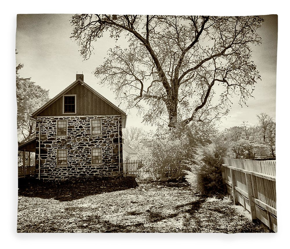 Weikert House Fleece Blanket featuring the photograph Weikert House At Gettysburg by Paul W Faust - Impressions of Light