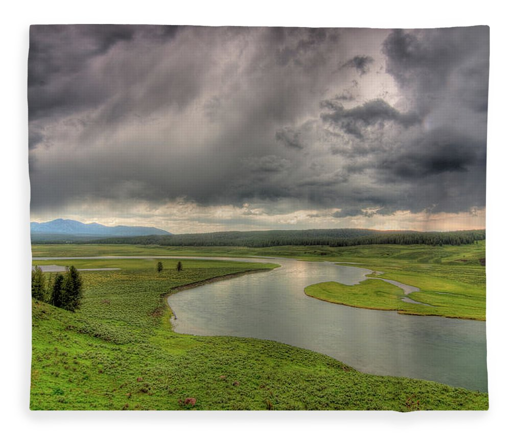 Scenics Fleece Blanket featuring the photograph Yellowstone River In Hayden Valley by Kevin A Scherer