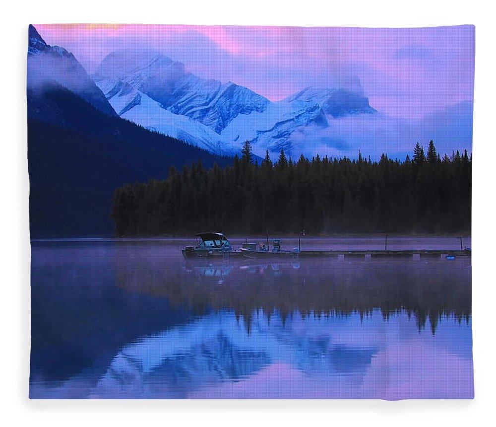 Maligne Lake Sunrise Fleece Blanket featuring the photograph Pink Sunrise Maligne Lake by Dan Sproul