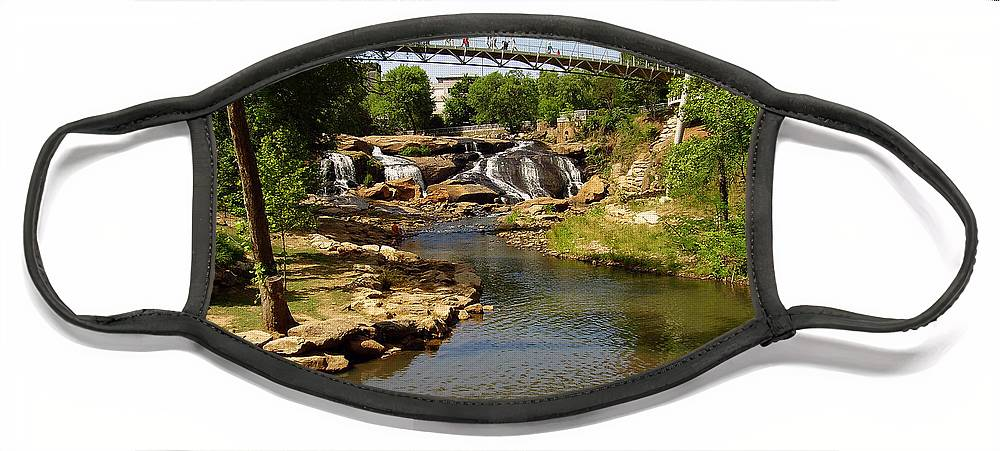 Liberty Bridge Face Mask featuring the photograph Liberty Bridge by Flavia Westerwelle