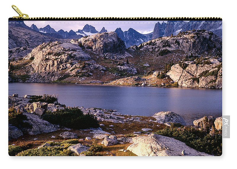 Continental Divide Carry-all Pouch featuring the photograph Island Lake And Wind River Range by Tracy Knauer