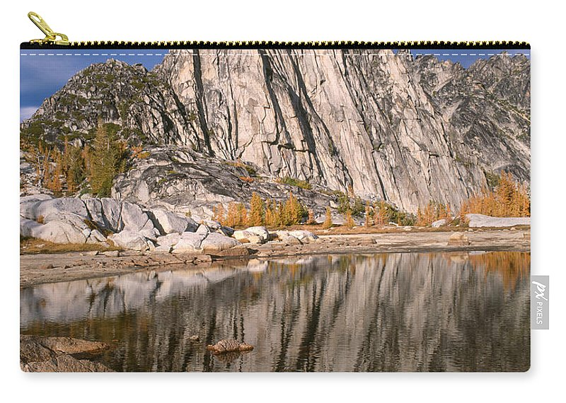 Alpine Lakes Wilderness Carry-all Pouch featuring the photograph Prusik Peak On Gnome Tarn by Tracy Knauer