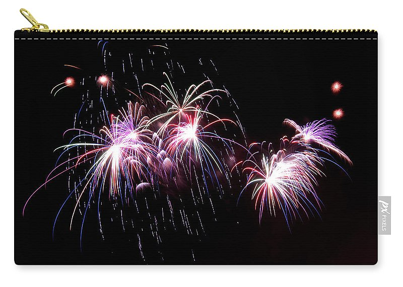 Firework Display Carry-all Pouch featuring the photograph Chicago Fireworks by 400tmax