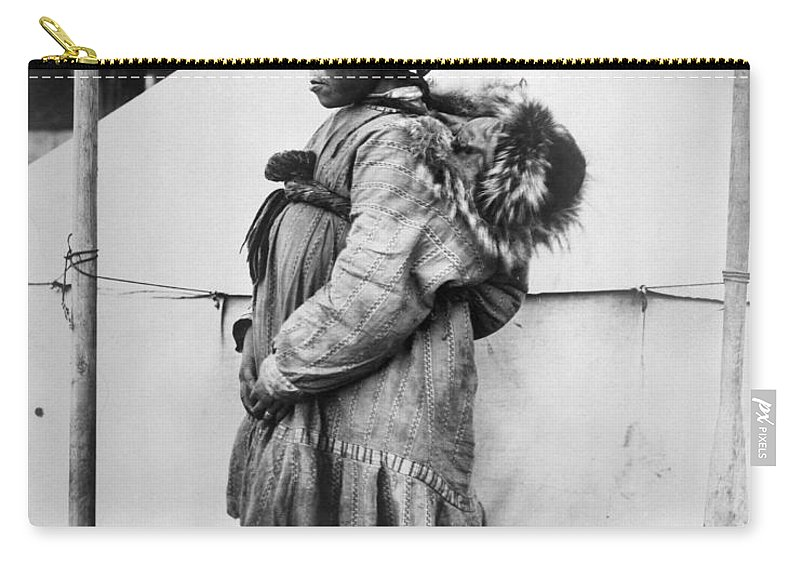 1904 Carry-all Pouch featuring the photograph Eskimo Woman And Child by Granger