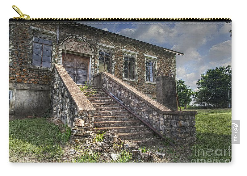 2014 Carry-all Pouch featuring the photograph Scopus Missouri by Larry Braun
