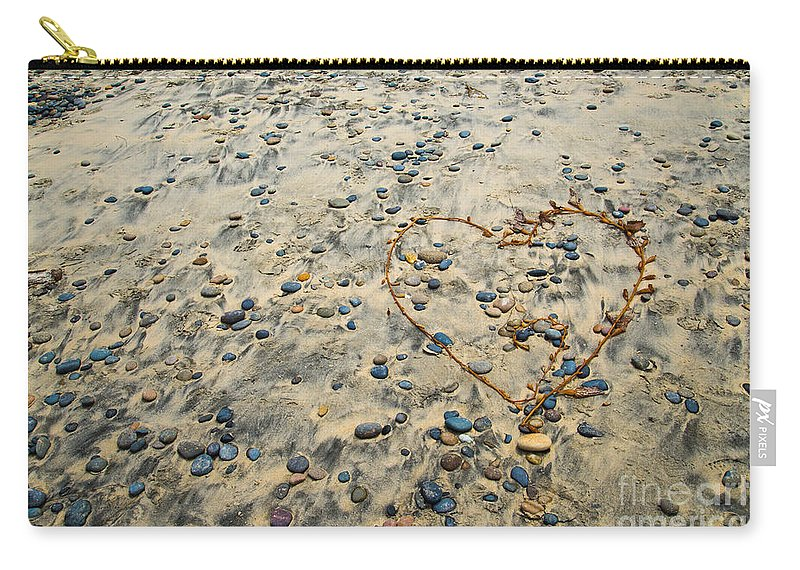 Cindy Tiefenbrunn Carry-all Pouch featuring the photograph Love On The Rocks by Cindy Tiefenbrunn
