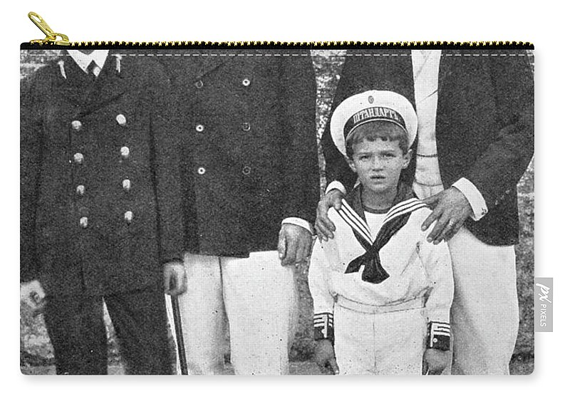 1909 Carry-all Pouch featuring the photograph Nicholas II & George V, 1909 by Granger
