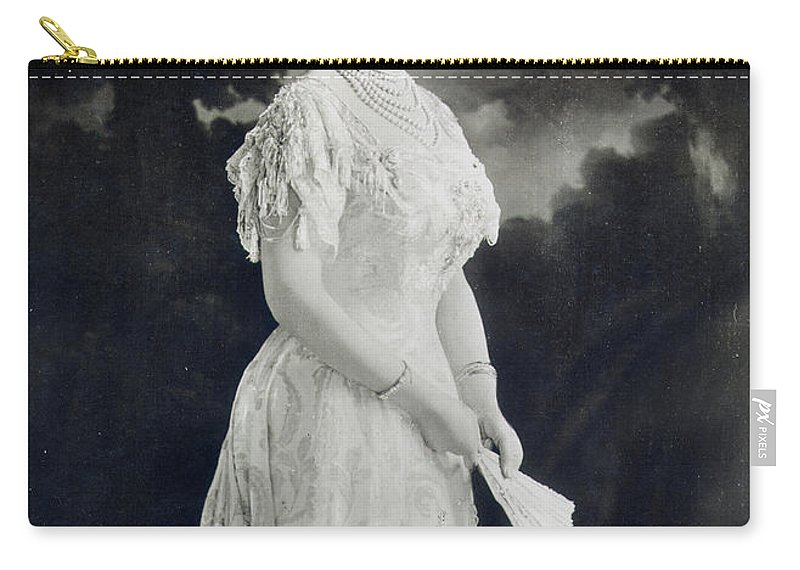 1900 Carry-all Pouch featuring the photograph Queen Mary (1867-1953) by Granger