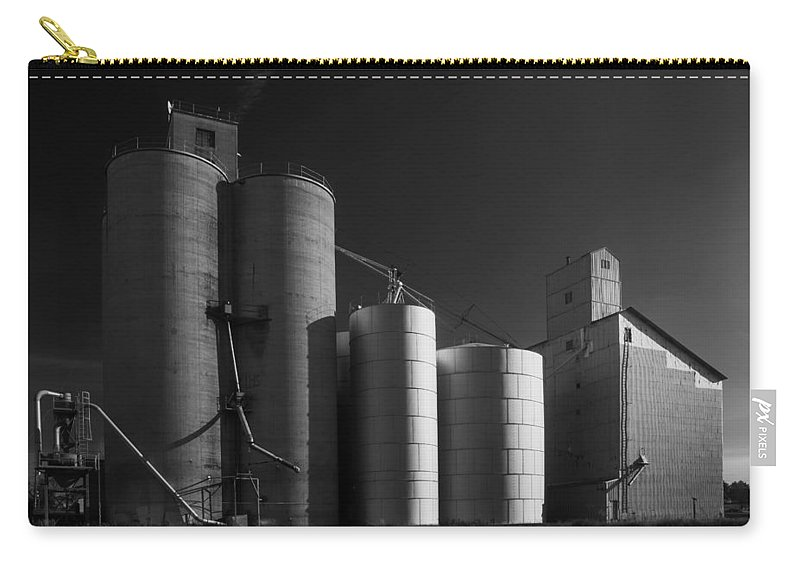 Wheat Carry-all Pouch featuring the photograph Spangle Grain Elevator by Paul DeRocker