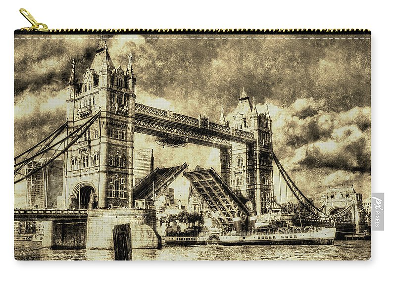 Vintage Carry-all Pouch featuring the photograph Tower Bridge Vintage by David Pyatt