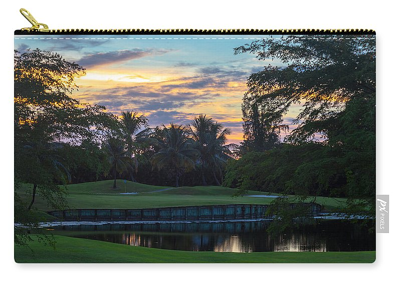 15th Hole Carry-all Pouch featuring the photograph 15th Green At Hollybrook by Ed Gleichman