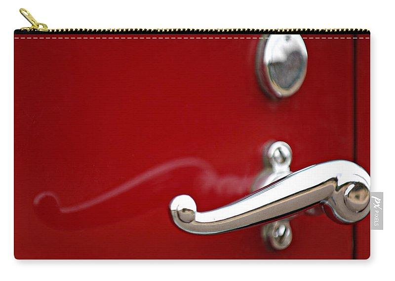 1928 Rolls-royce Phantom I Sedenca De Ville Door Handle Carry-all Pouch featuring the photograph 1928 Rolls-royce Phantom I Sedenca De Ville Door Handle by Jill Reger