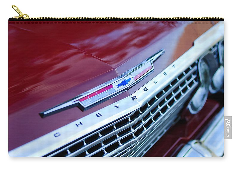 1962 Chevrolet Impala Ss Emblem Carry-all Pouch featuring the photograph 1962 Chevrolet Impala Ss Grille by Jill Reger
