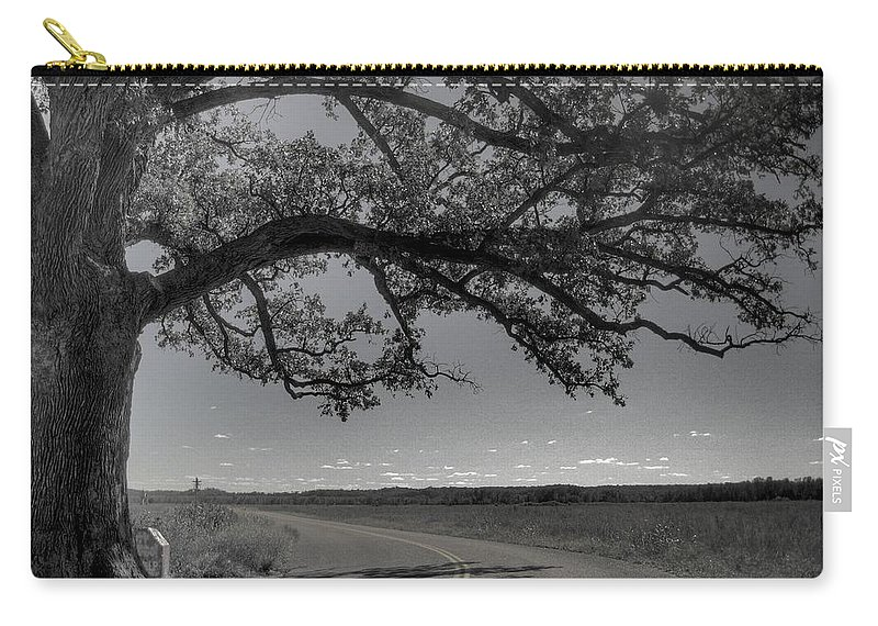Bur Oak Tree Carry-all Pouch featuring the photograph Burr Oak Tree by Jane Linders