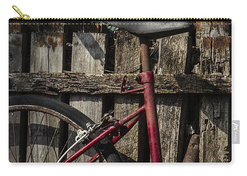 Vintage Carry-all Pouch featuring the photograph Left by Margie Hurwich