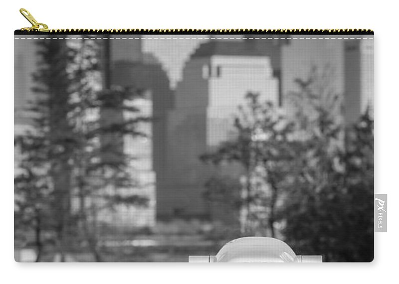 Empire State Carry-all Pouch featuring the photograph Looking At Freedom by Susan Candelario