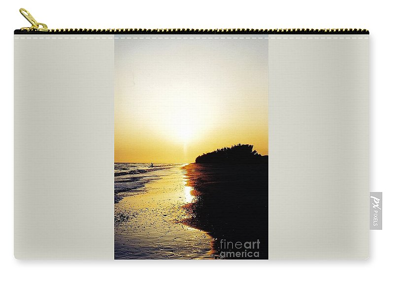 Sunset Carry-all Pouch featuring the photograph Amazing Sanibel Sunset by D Hackett