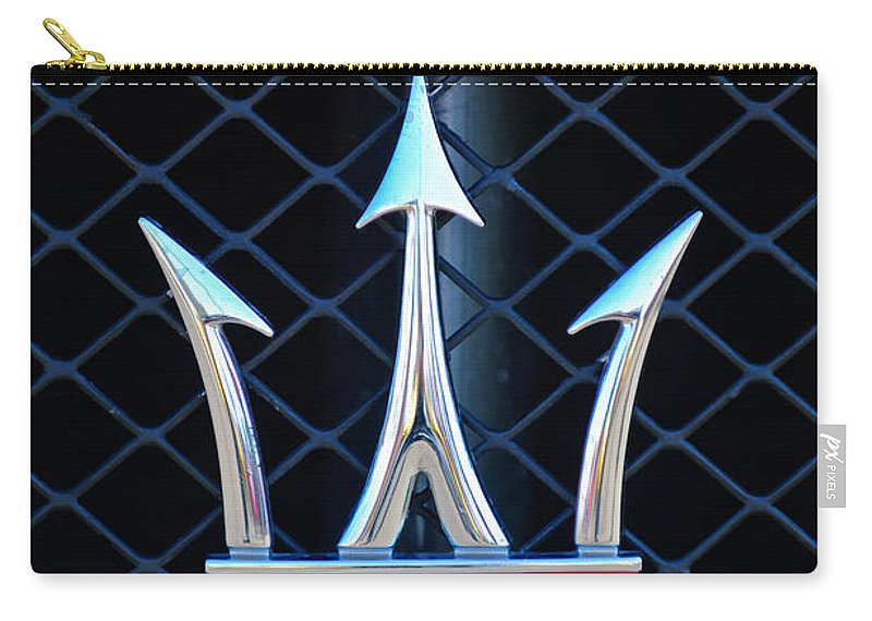 2005 Maserati Gt Coupe Corsa Emblem Carry-all Pouch featuring the photograph 2005 Maserati Gt Coupe Corsa Emblem by Jill Reger