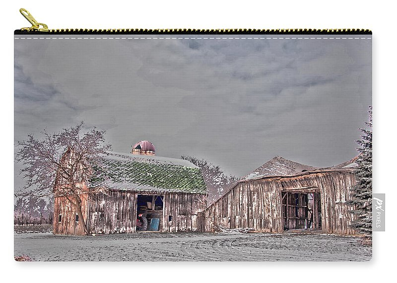 Barn Carry-all Pouch featuring the photograph 29 Mile Road Barn by Ginger Harris