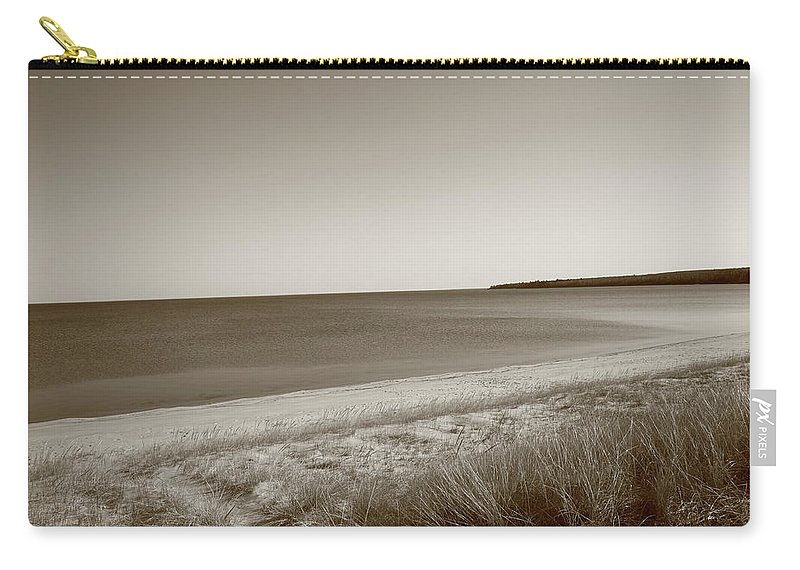 America Carry-all Pouch featuring the photograph Lake Superior by Frank Romeo