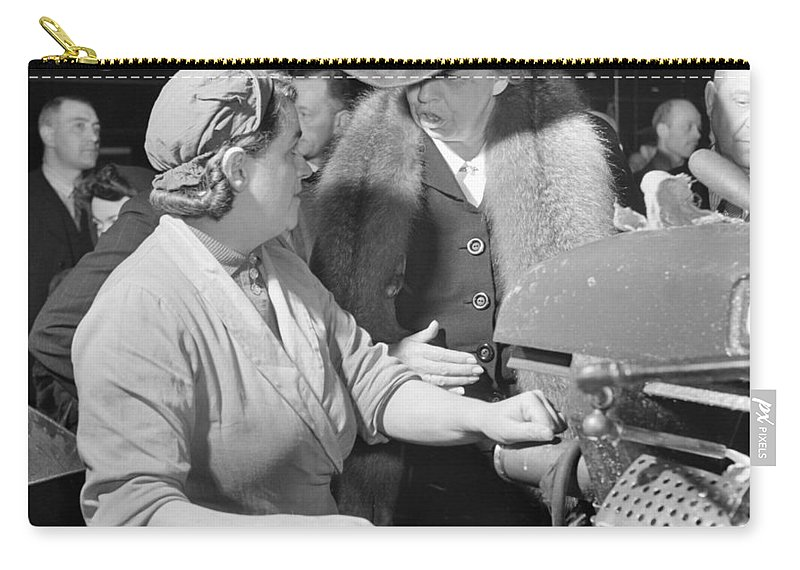 1942 Carry-all Pouch featuring the photograph Anna Eleanor Roosevelt by Granger