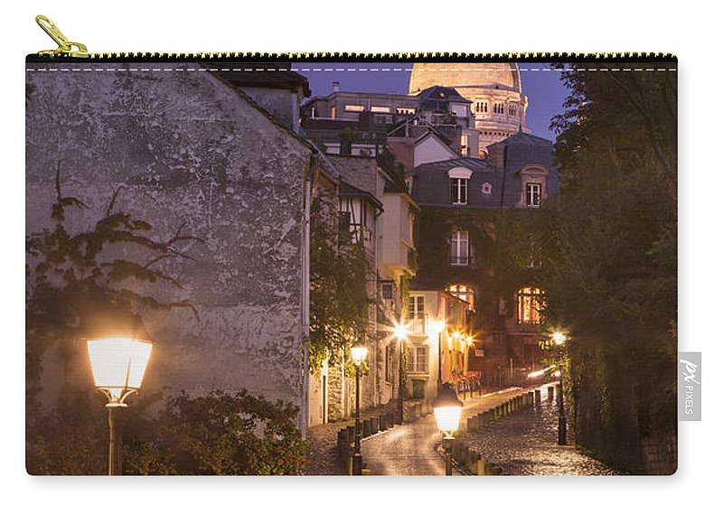 Avenue Carry-all Pouch featuring the photograph Montmartre Twilight by Brian Jannsen