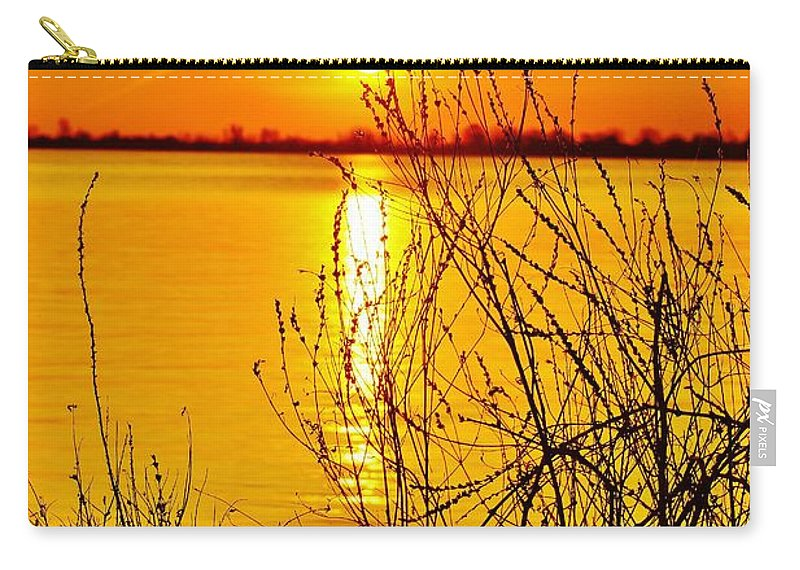 Carry-all Pouch featuring the photograph 6 30 Am by Daniel Thompson