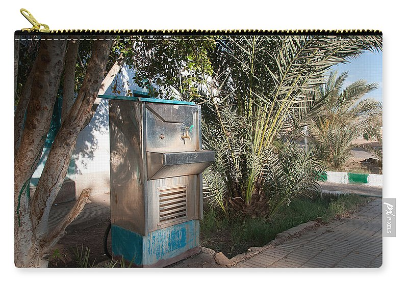 Drinking Water Carry-all Pouch featuring the digital art Dakhla by Carol Ailles