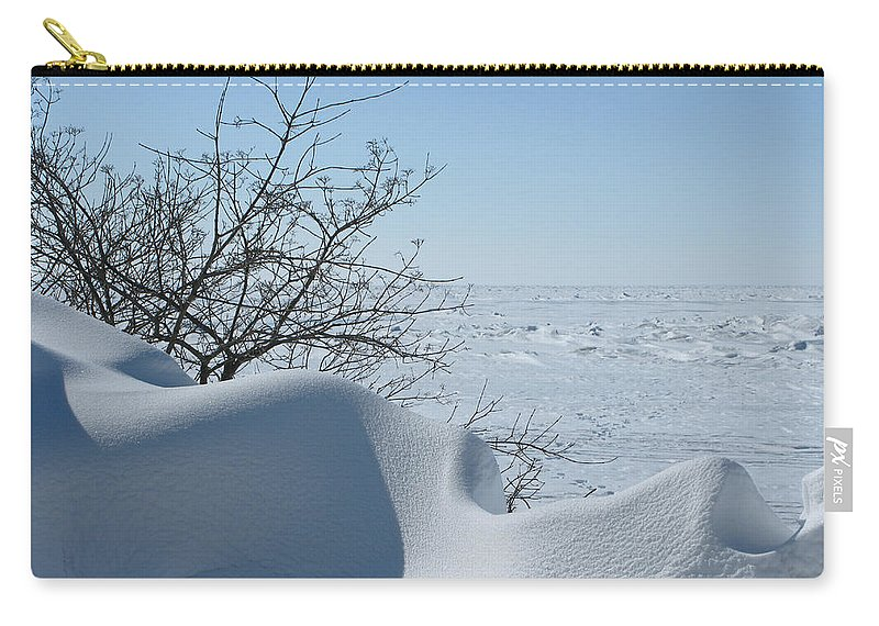 Winter Carry-all Pouch featuring the photograph A Gentle Beauty by Ann Horn