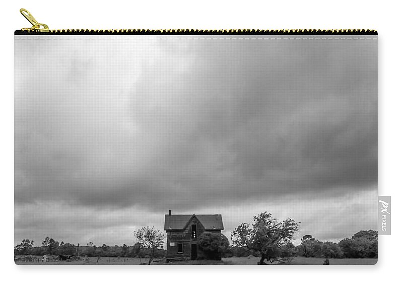 Landscape Carry-all Pouch featuring the photograph Abandoned Farmhouse Black And White by Richard Kitchen