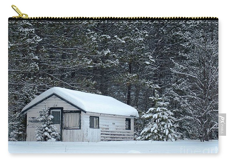 Old Cabin Carry-all Pouch featuring the photograph Abandoned Hideaway  by Optical Playground By MP Ray