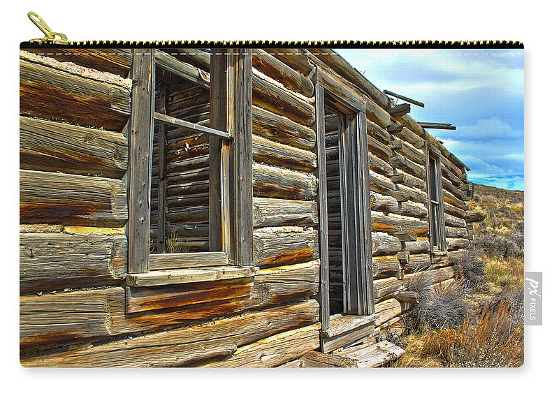 Abandoned Carry-all Pouch featuring the photograph Abandoned Homestead by Shane Bechler