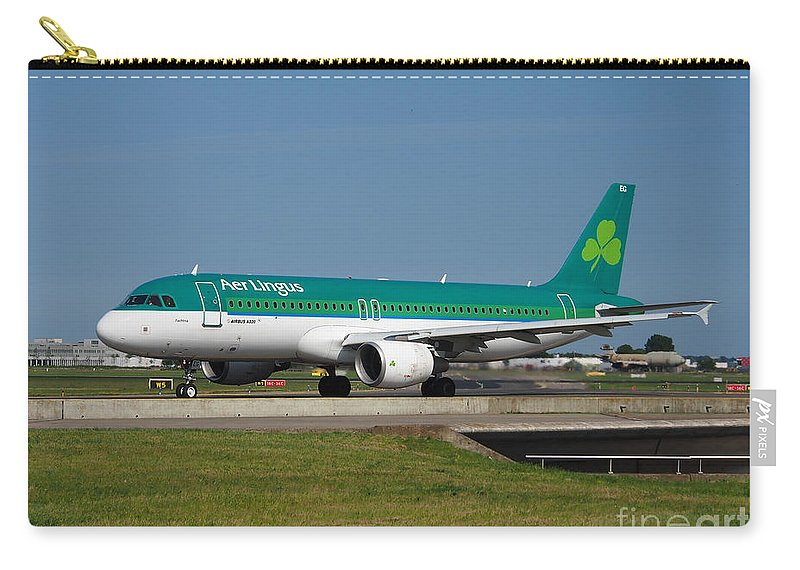 737 Carry-all Pouch featuring the photograph Aer Lingus Airbus A320 by Paul Fearn
