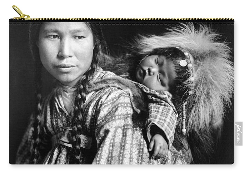1912 Carry-all Pouch featuring the photograph Alaska Eskimos, C1912 by Granger