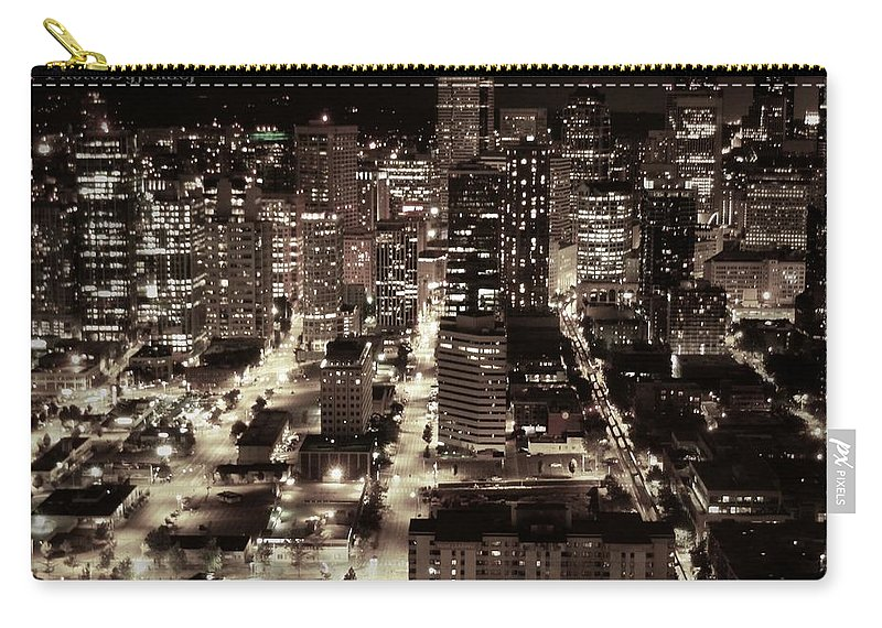 Seattle Carry-all Pouch featuring the photograph An Evening Love Affair by Jamie Johnson