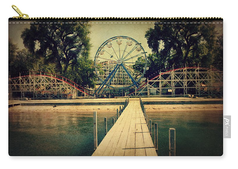 Ferris Wheel Carry-all Pouch featuring the photograph Arnolds Park by Julie Hamilton
