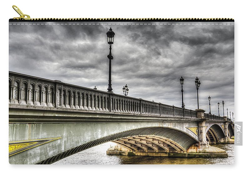 Battersea Bridge Carry-all Pouch featuring the photograph Battersea Bridge London by David Pyatt