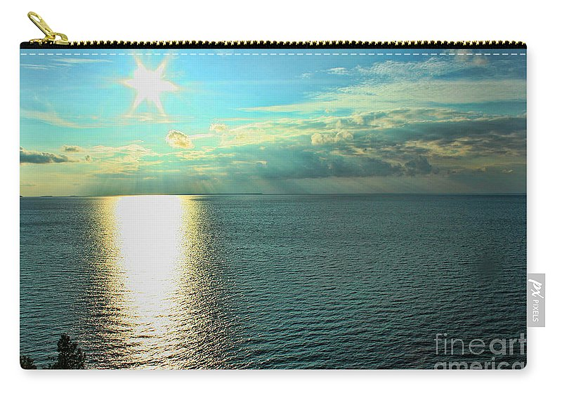 Wisconsin Carry-all Pouch featuring the photograph Bay Of Green Bay Wi by Tommy Anderson