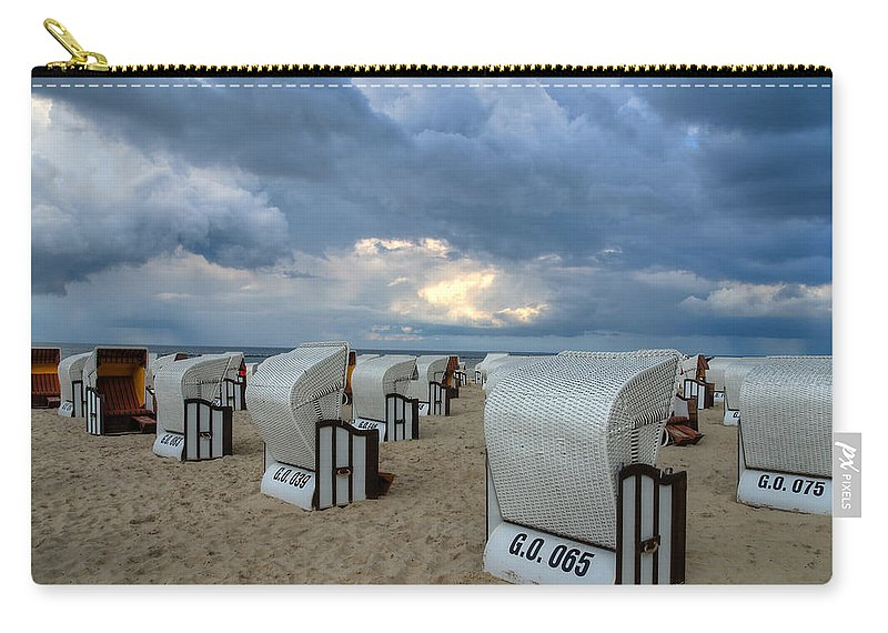 Ostsee Carry-all Pouch featuring the pyrography Beach Time by Steffen Gierok