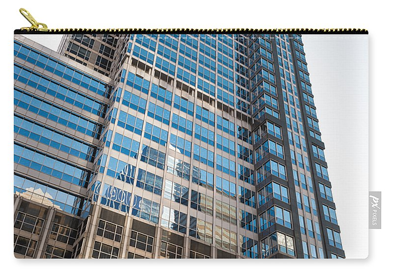 Boeing Carry-all Pouch featuring the photograph Boeing World Hq Chicago by Steve Gadomski