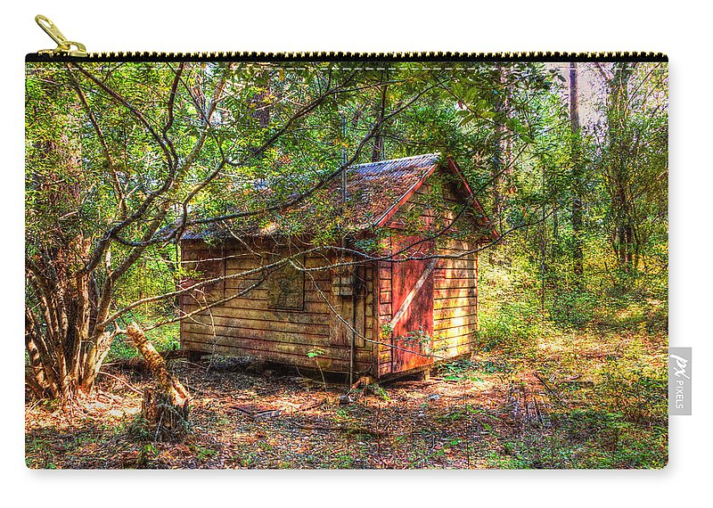 Aged Carry-all Pouch featuring the photograph Cabin In The Woods by Heidi Smith
