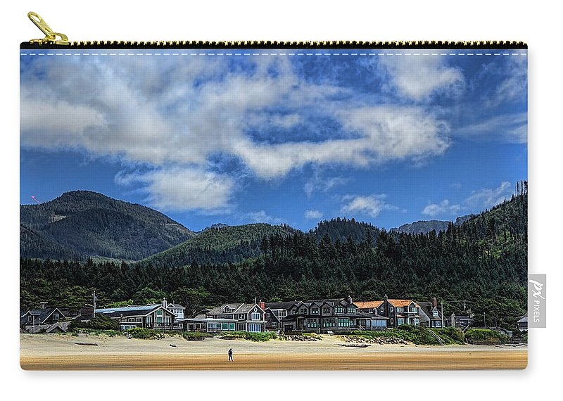 Pacific Northwest Carry-all Pouch featuring the photograph Cannon Beach South by Dale Kauzlaric