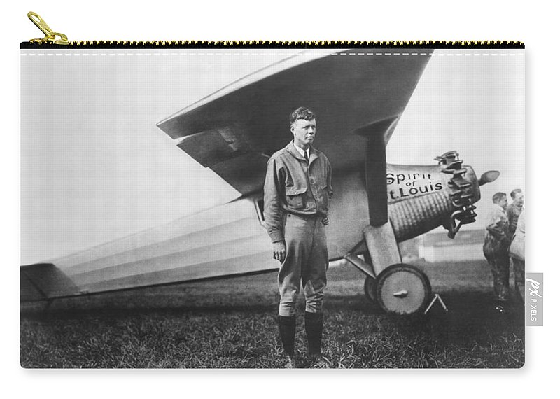 1927 Carry-all Pouch featuring the photograph Captain Charles Lindbergh by Underwood Archives