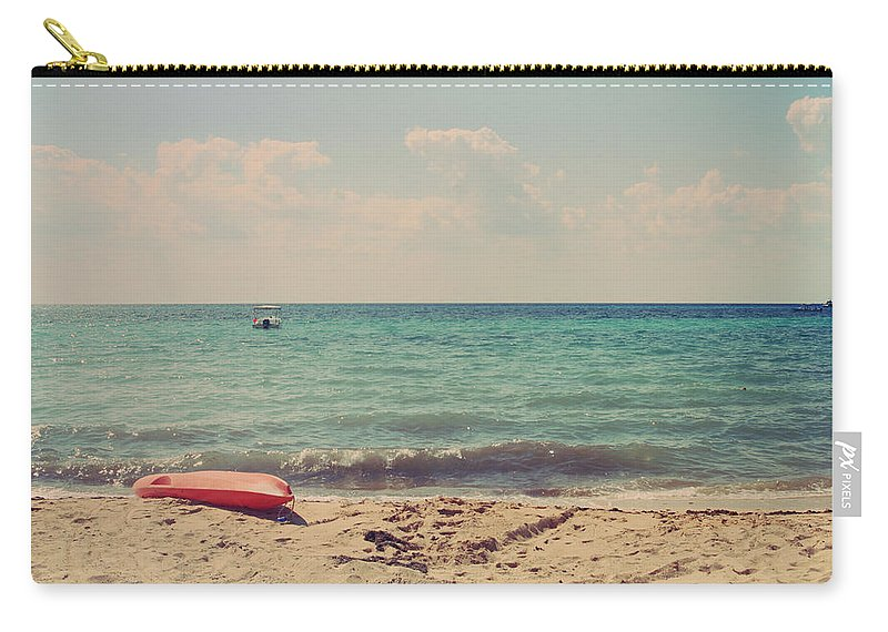 Cozumel Carry-all Pouch featuring the photograph Carefree by Laurie Search