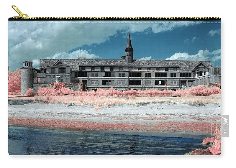 Seaside Regional Center Carry-all Pouch featuring the photograph Castle In The Sky by Rick Kuperberg Sr